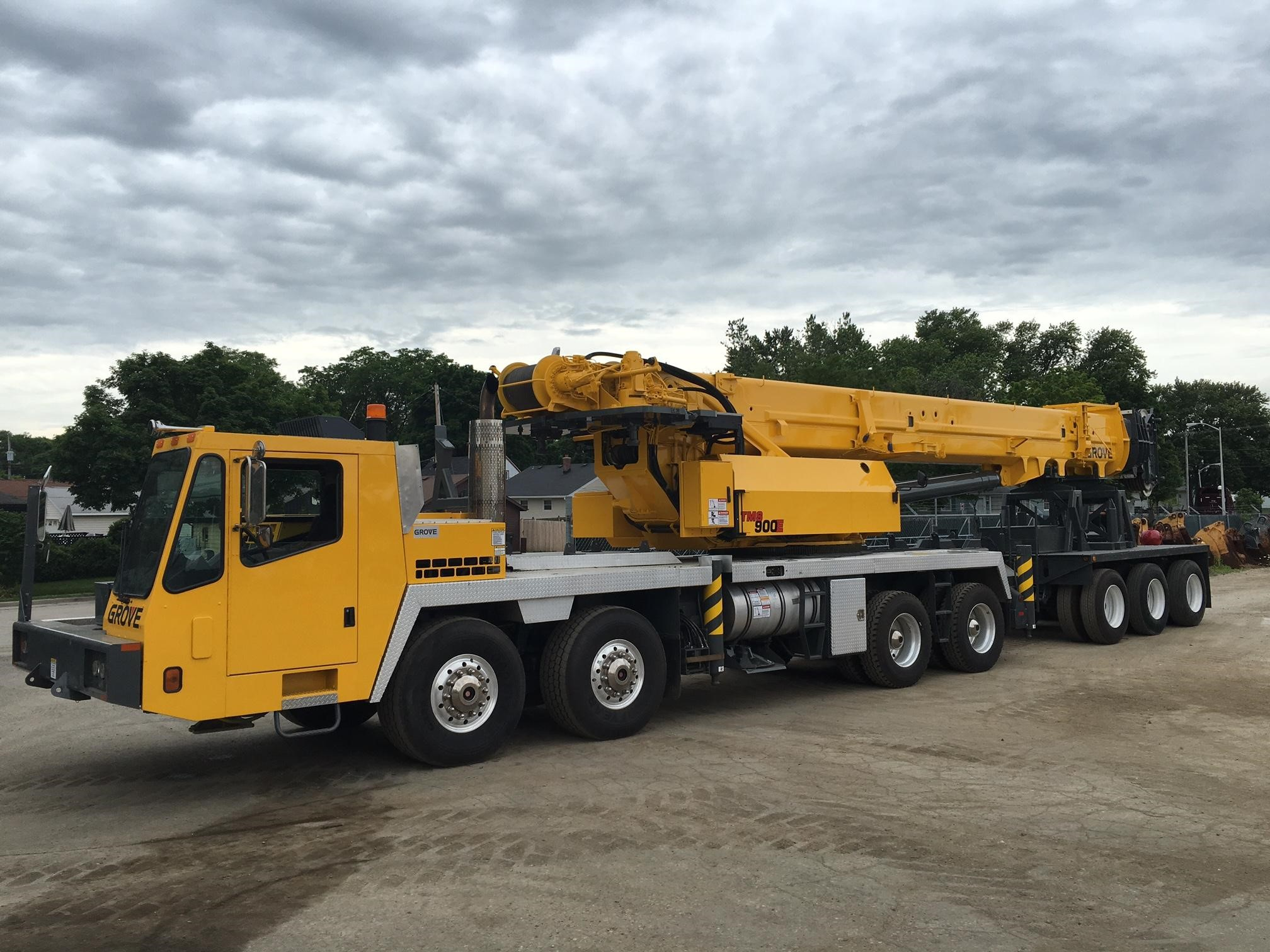 Detail photo of 2005 Grove TMS900E from Construction Equipment Guide