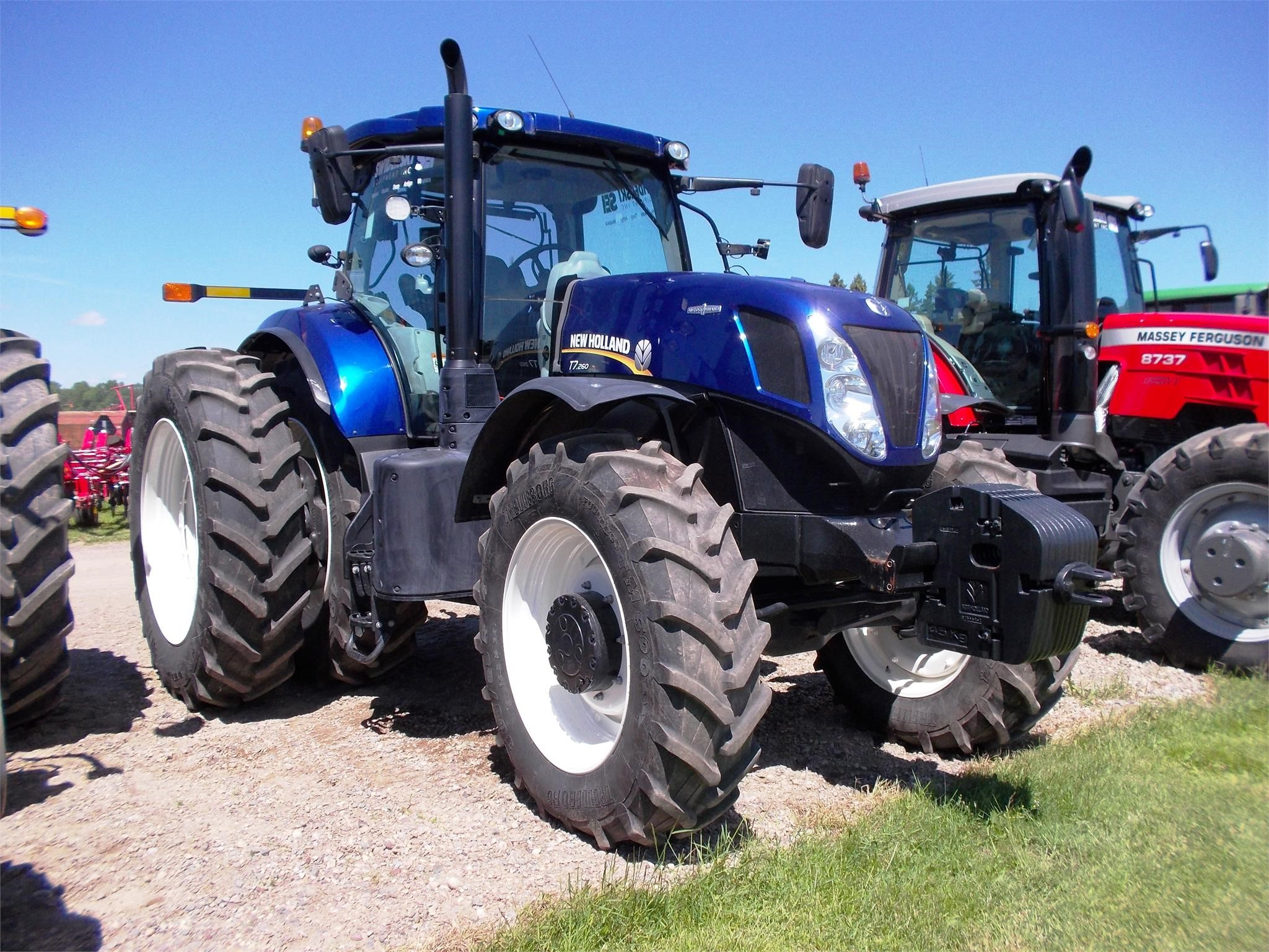 Detail photo of 2015 New Holland T7.260 from Construction Equipment Guide