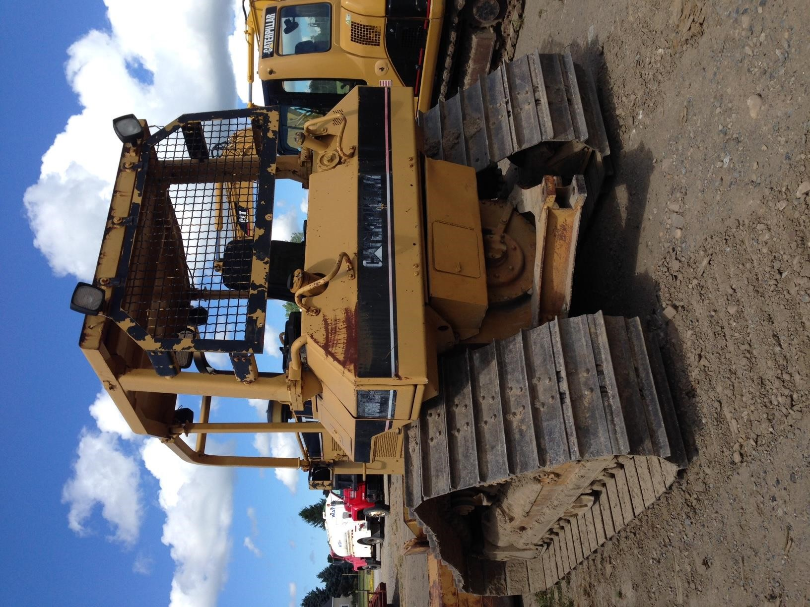 Detail photo of 1997 Caterpillar D5M from Construction Equipment Guide