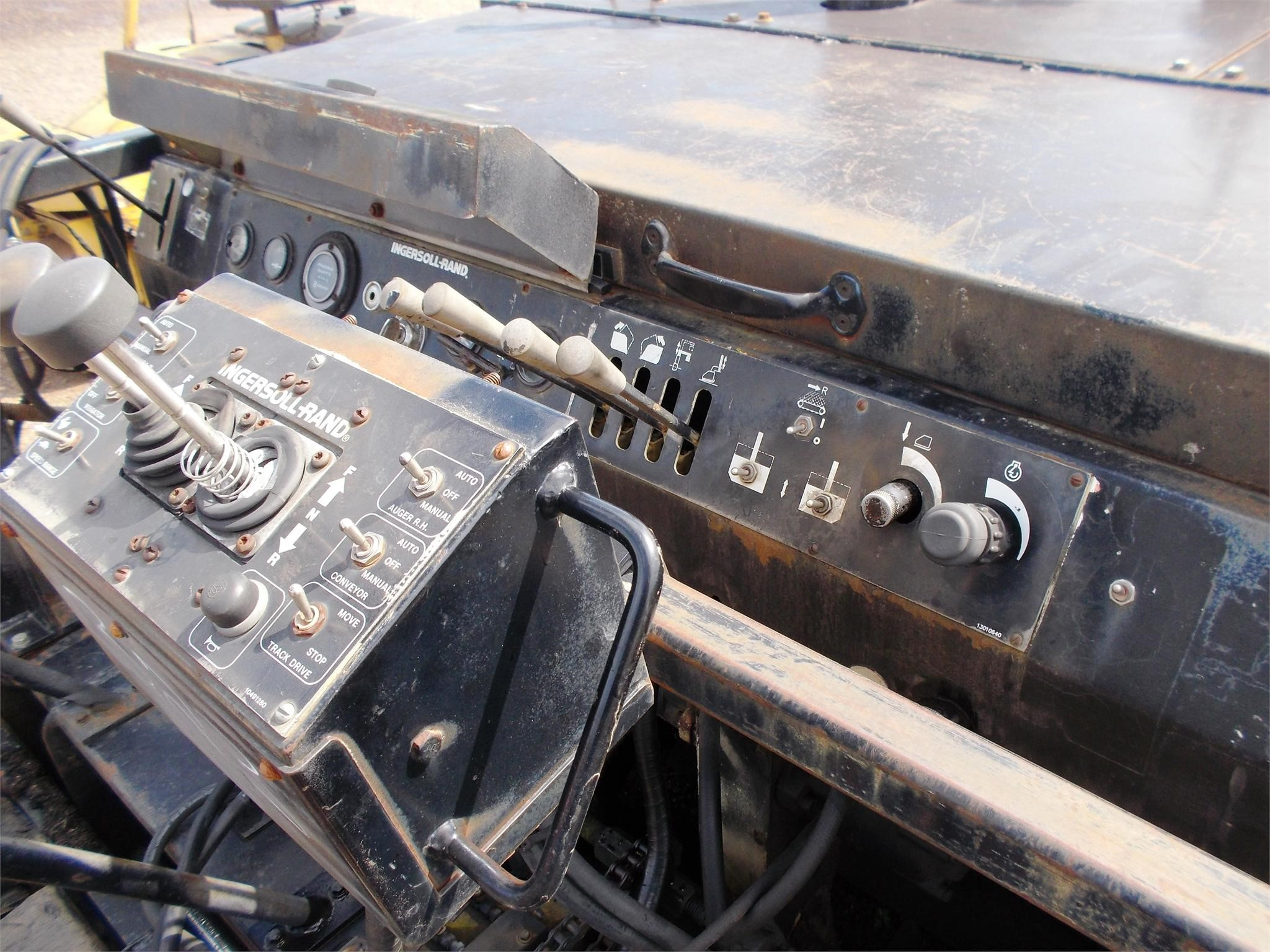 Detail photo of  Ingersoll Rand 575T from Construction Equipment Guide