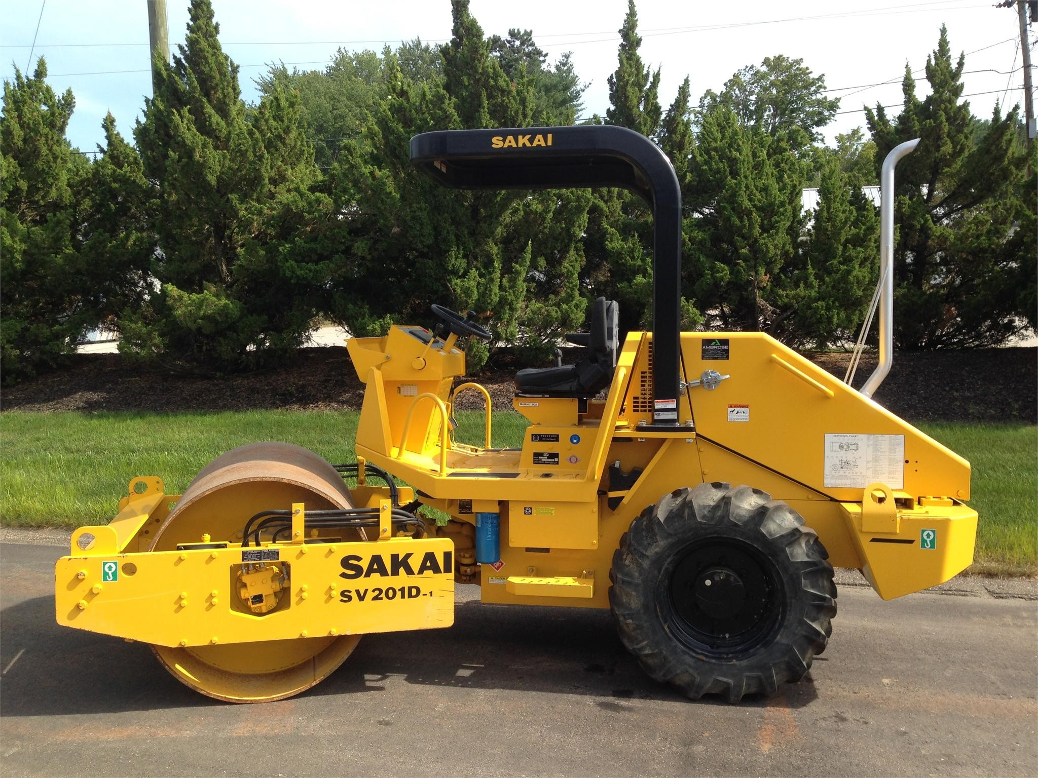 Detail photo of 2015 Sakai SV201D-1 from Construction Equipment Guide