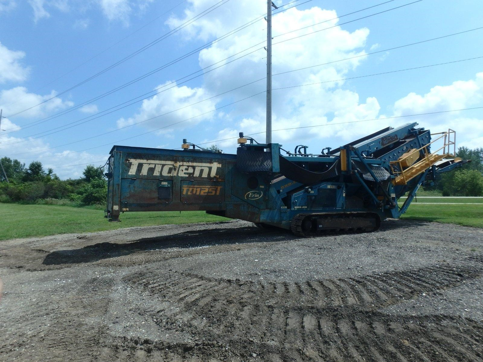 Detail photo of 2004 Erin TRIDENT 125T from Construction Equipment Guide