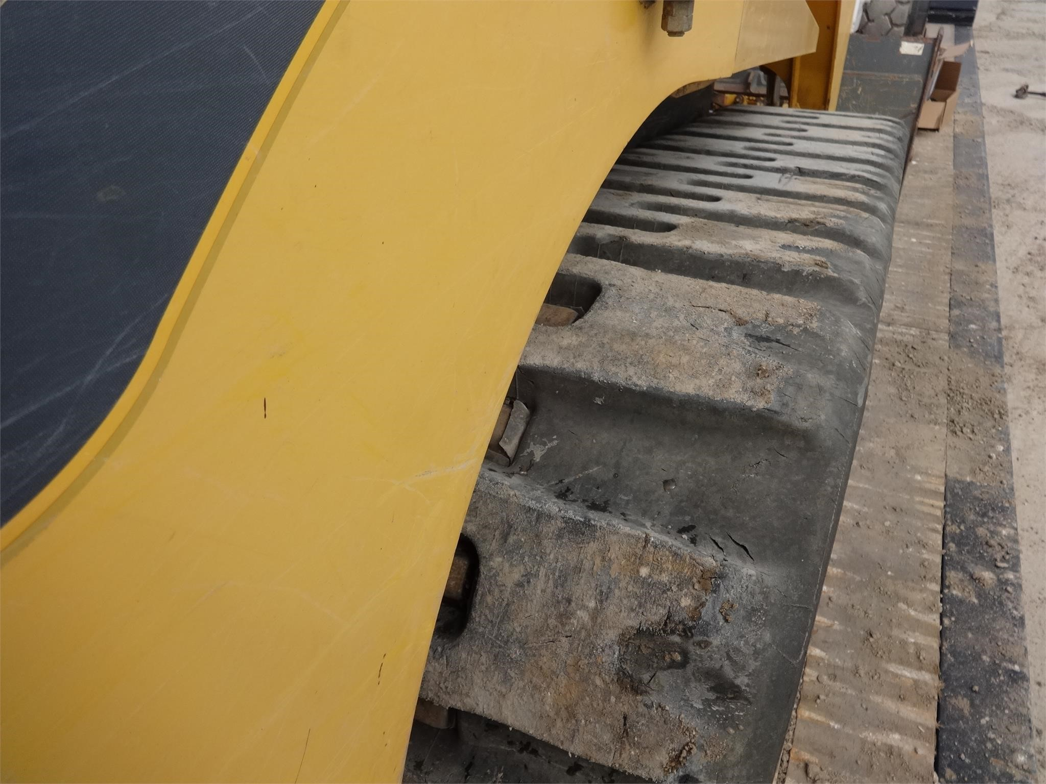 Detail photo of 2011 Gehl CTL75 from Construction Equipment Guide