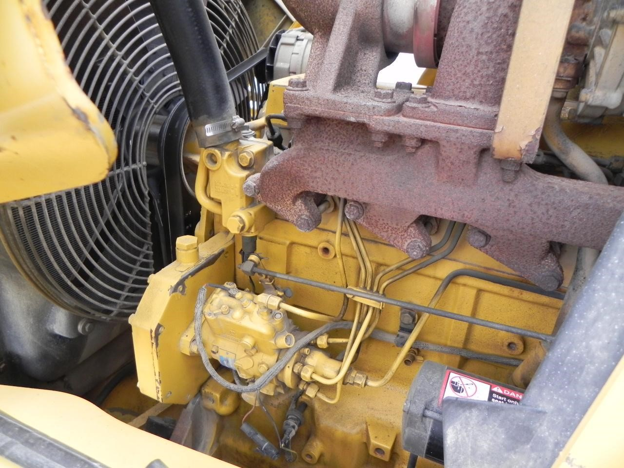 Detail photo of 2005 John Deere 410G from Construction Equipment Guide