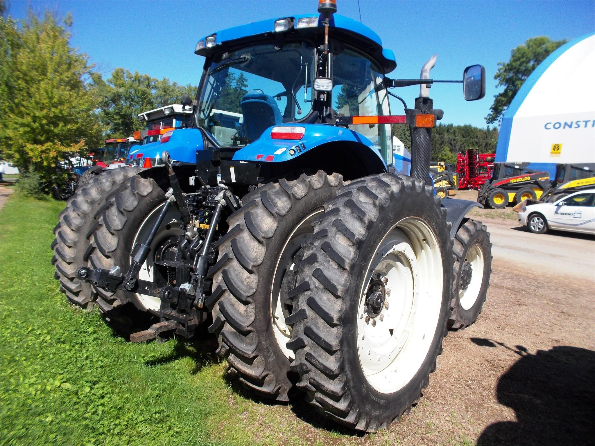Detail photo of 2009 New Holland T7070 from Construction Equipment Guide