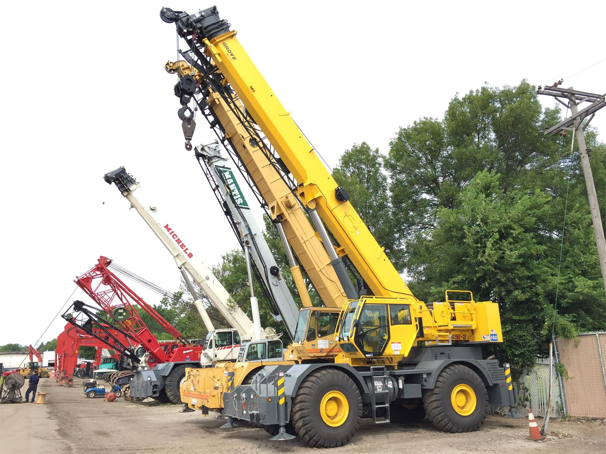 Detail photo of 2014 Grove RT765E2 from Construction Equipment Guide
