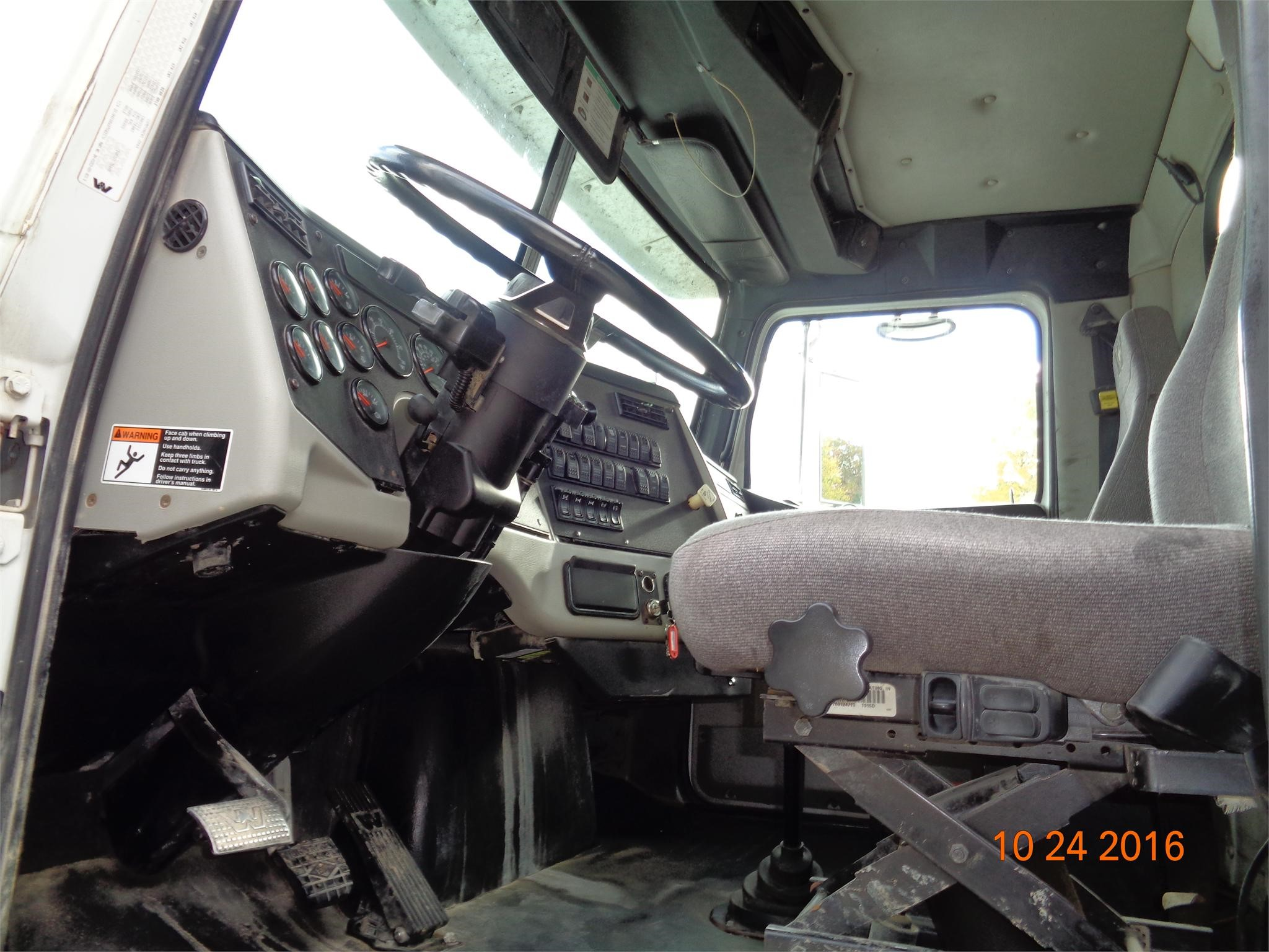 Detail photo of 2013 Western Star 4900FA from Construction Equipment Guide