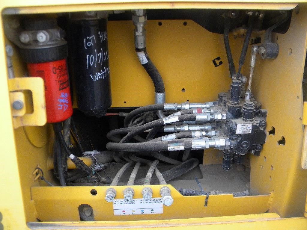 Detail photo of 2011 John Deere 450J LT from Construction Equipment Guide