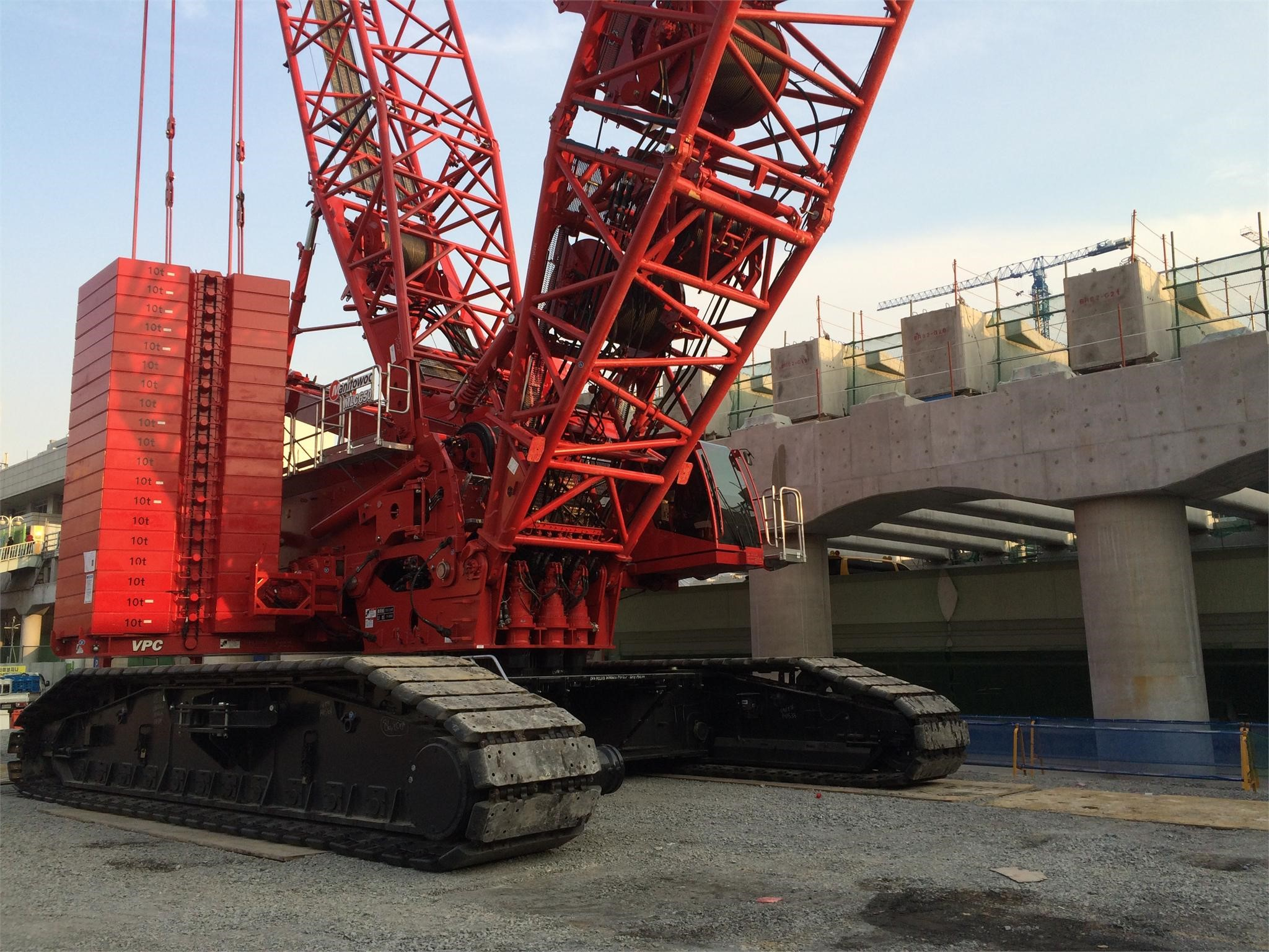 Detail photo of 2016 Manitowoc MLC650 from Construction Equipment Guide