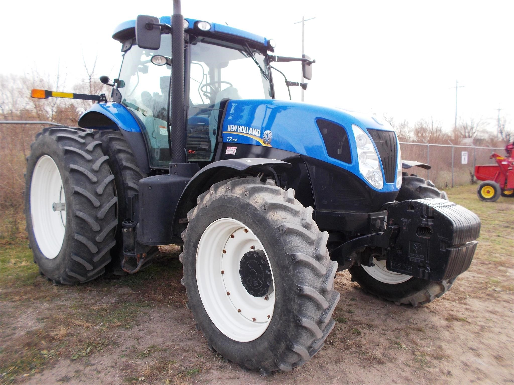 Detail photo of 2013 New Holland T7.250 from Construction Equipment Guide