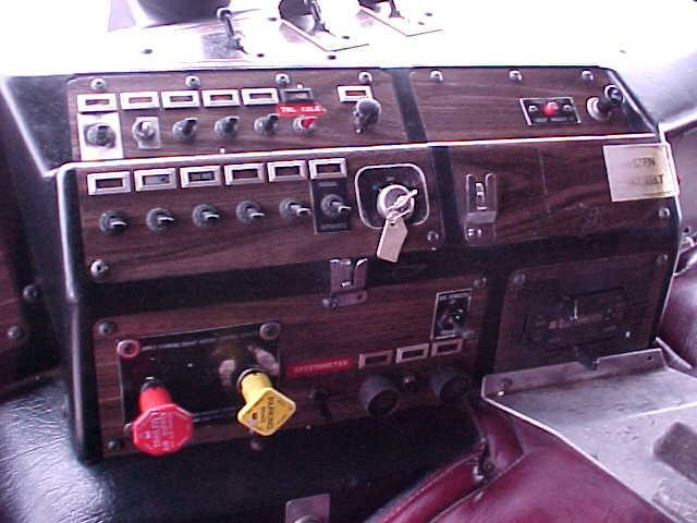 Detail photo of 1988 Kenworth K100E from Construction Equipment Guide