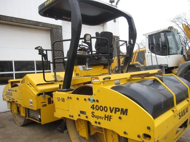 Detail photo of 2015 Sakai SW880 from Construction Equipment Guide