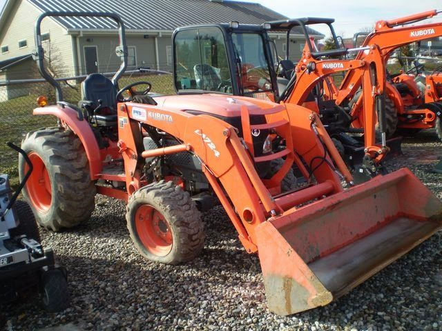 Detail photo of 2010 Kubota L3240 from Construction Equipment Guide