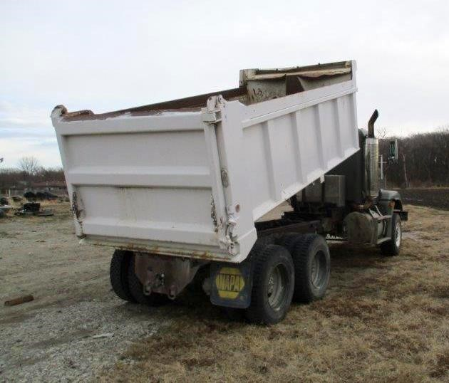 Detail photo of 1993 FREIGHT KING FLD120 from Construction Equipment Guide