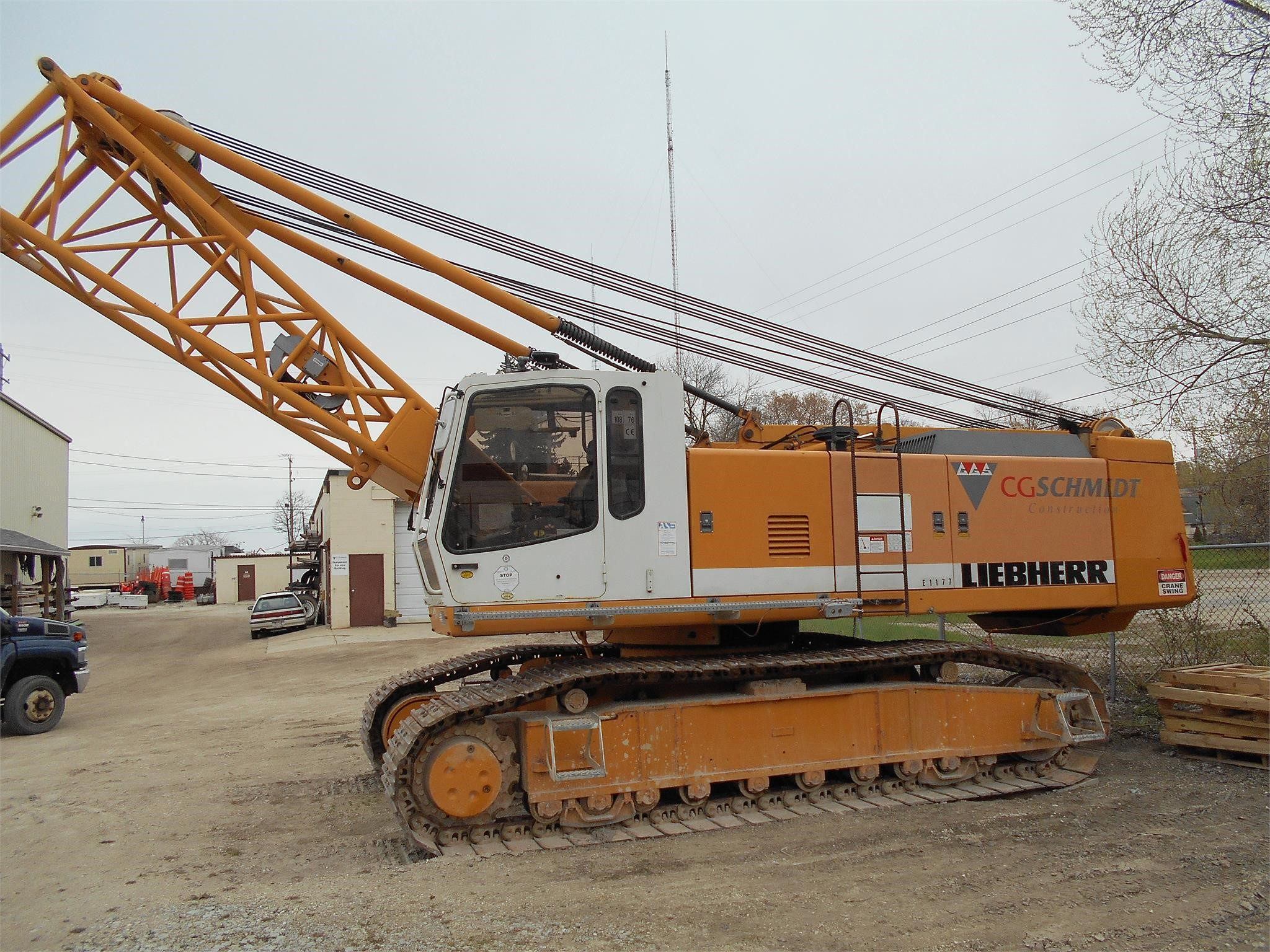 Detail photo of 1998 Liebherr LR853HD from Construction Equipment Guide