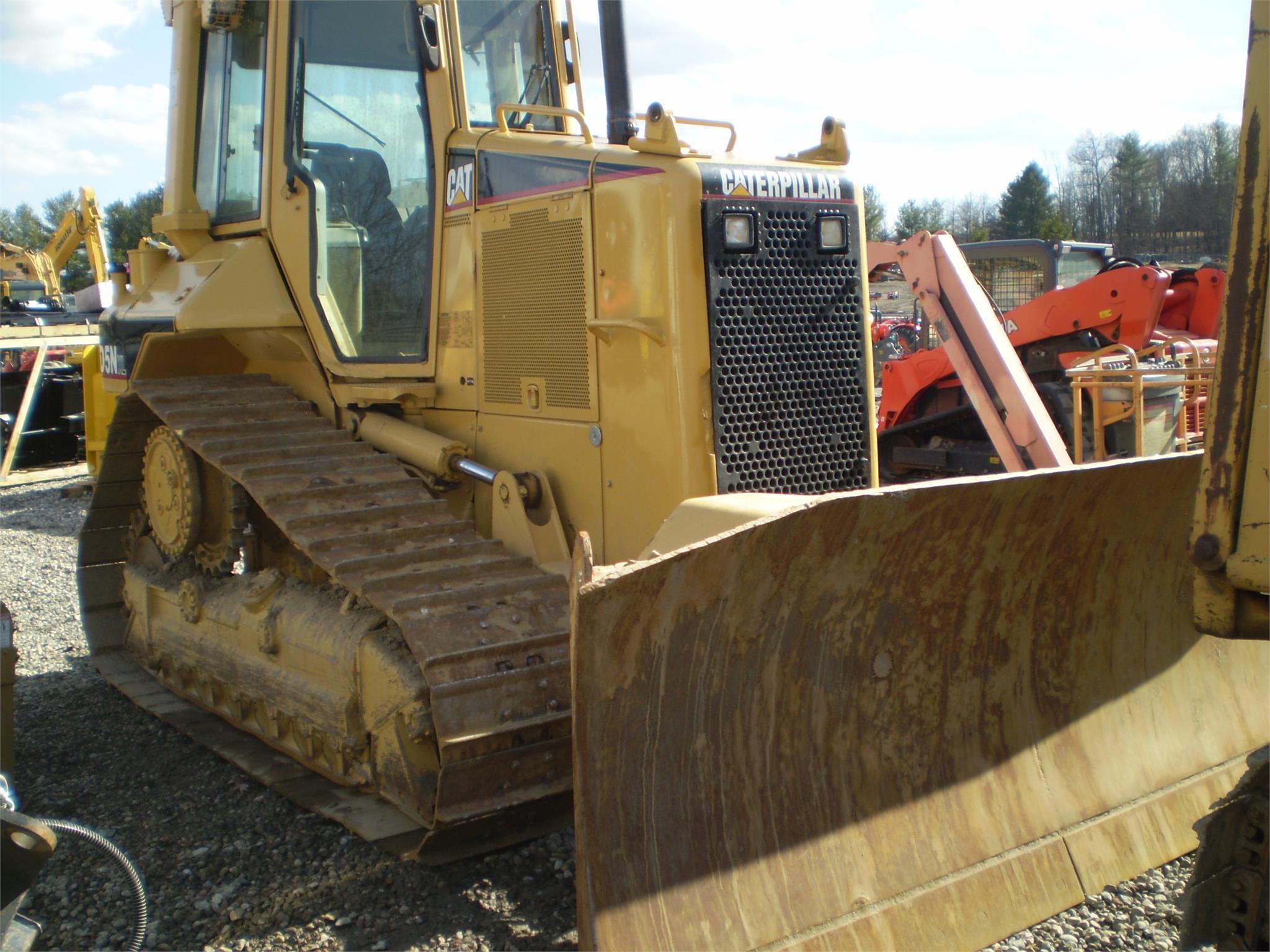 Detail photo of 2004 Caterpillar D5N XL from Construction Equipment Guide