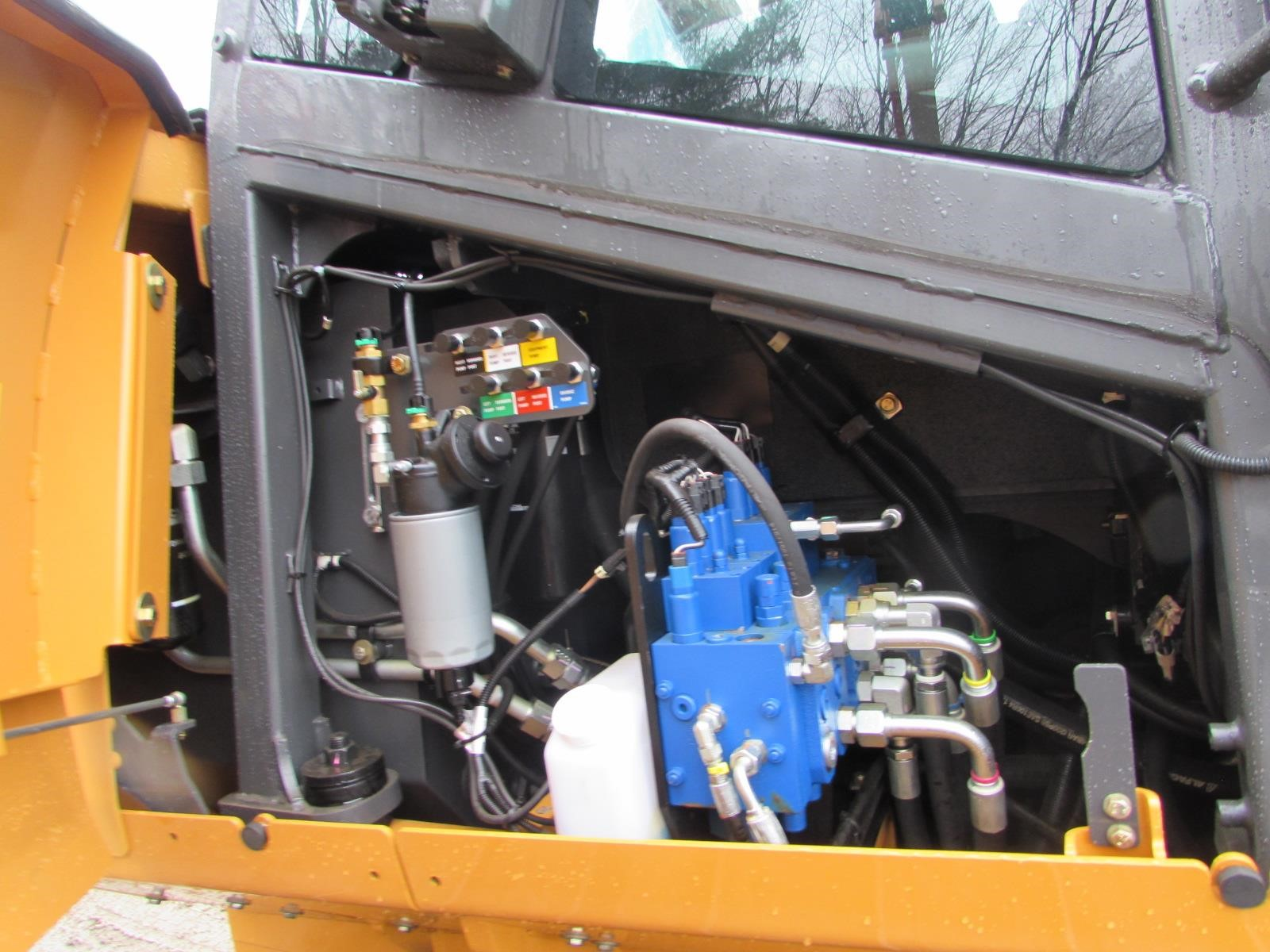 Detail photo of 2014 Case 1150M from Construction Equipment Guide