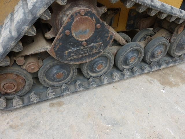 Detail photo of 2004 Caterpillar 257 from Construction Equipment Guide