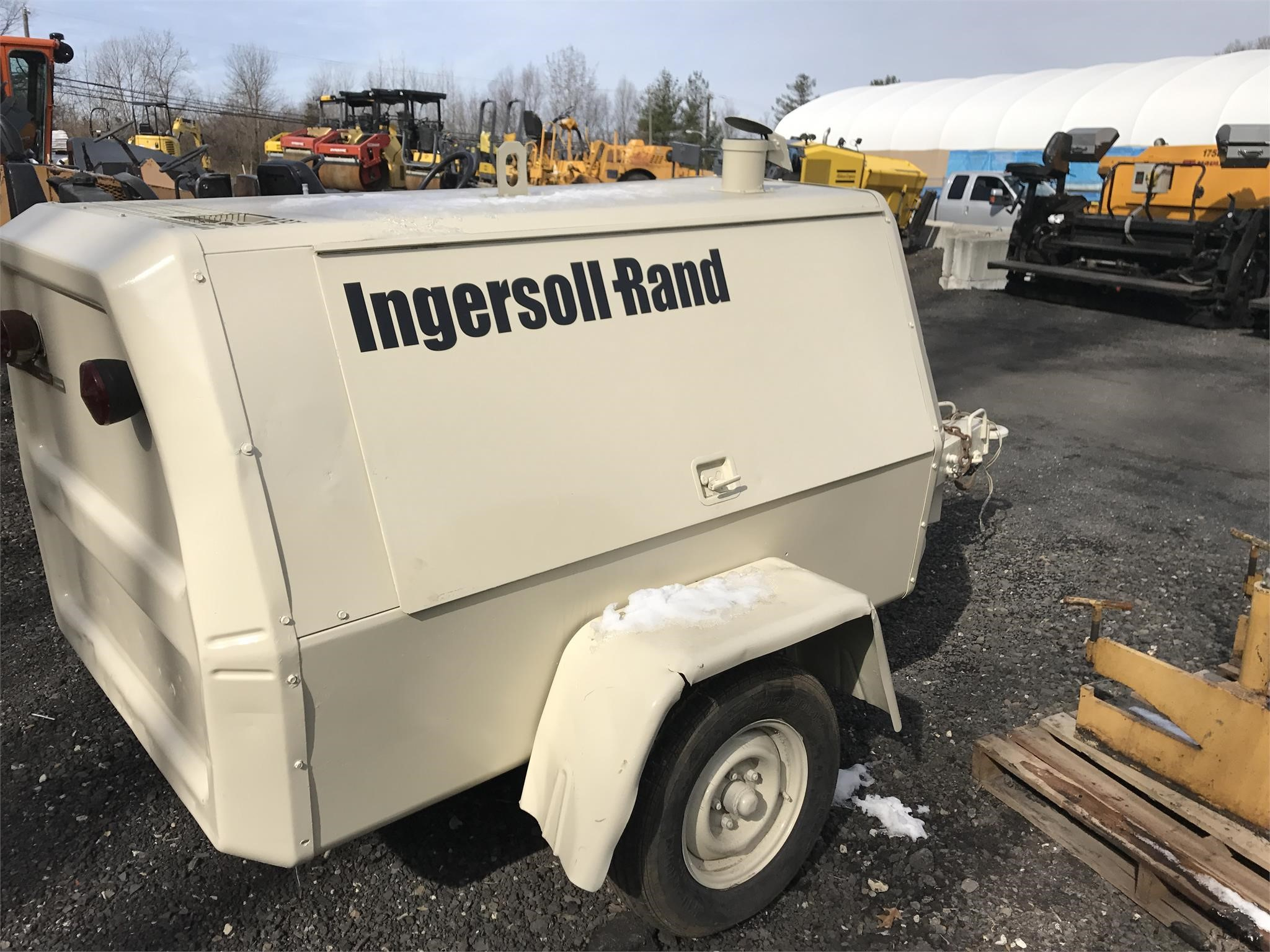 Detail photo of 1986 Ingersoll Rand 100 CFM from Construction Equipment Guide