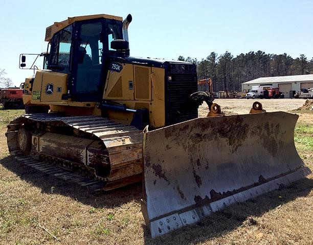 Detail photo of 2012 John Deere 750K LGP from Construction Equipment Guide