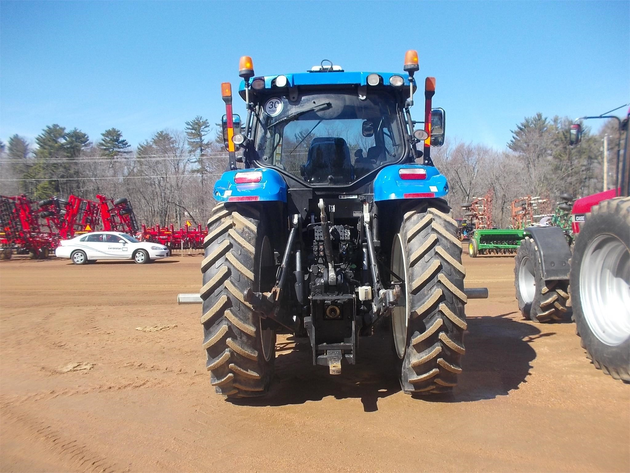 Detail photo of 2013 New Holland T7.260 from Construction Equipment Guide