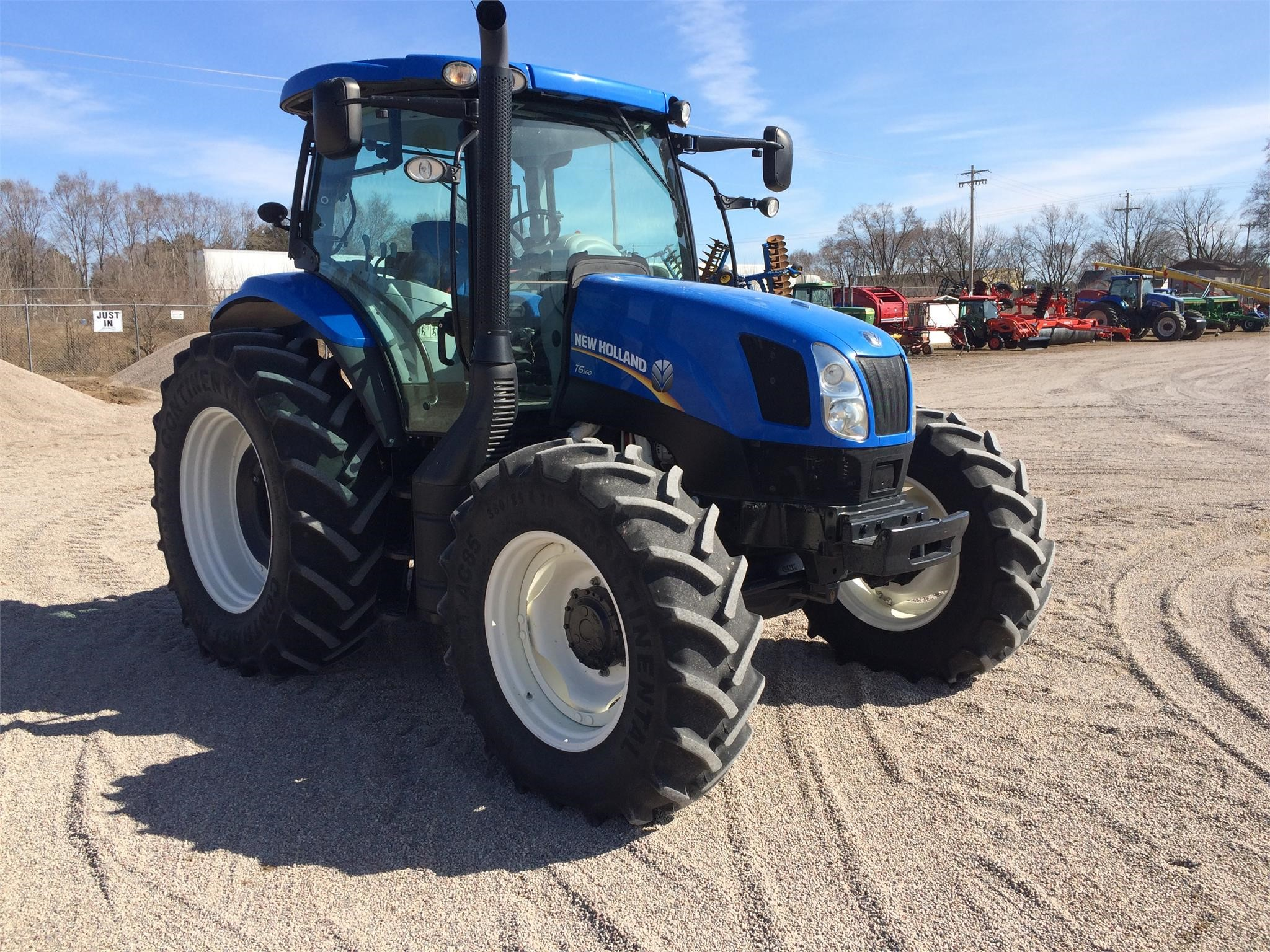 Detail photo of 2013 New Holland T6.160 from Construction Equipment Guide