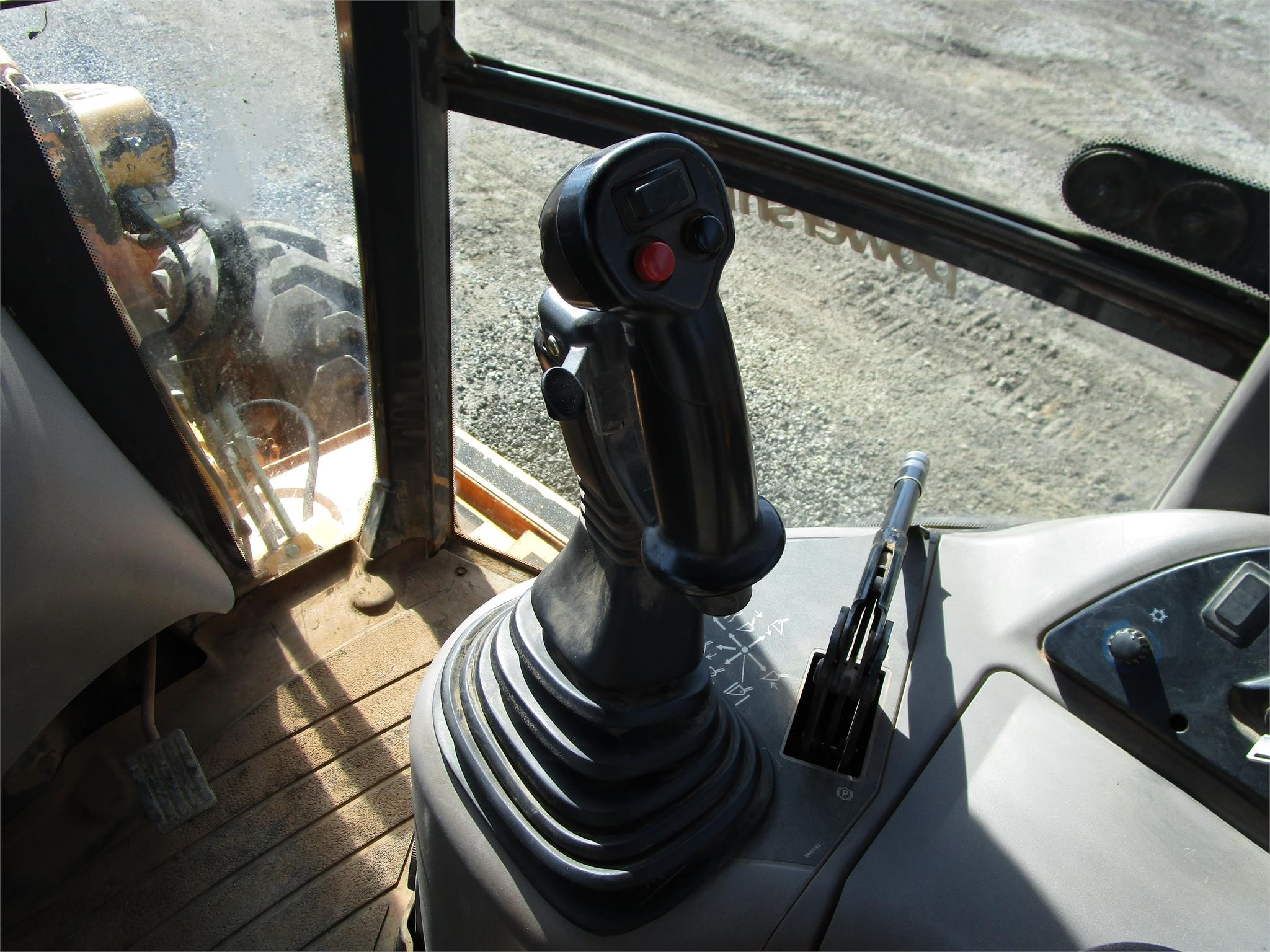 Detail photo of 2004 Case 580 SM from Construction Equipment Guide