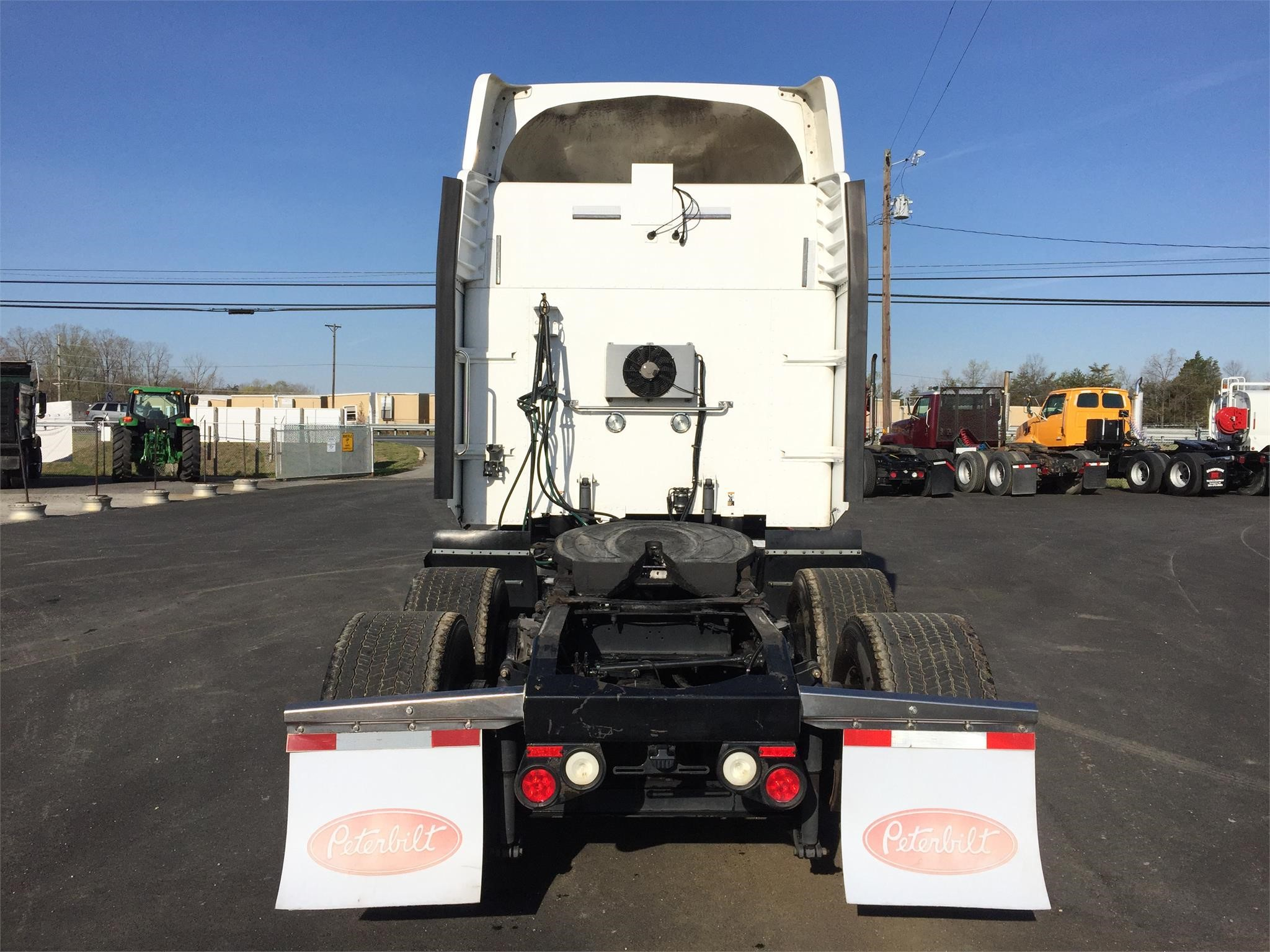 Detail photo of 2011 Peterbilt 386 from Construction Equipment Guide