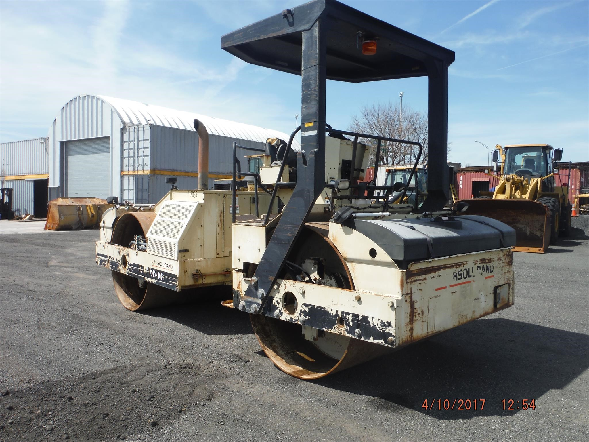 Detail photo of 1998 Ingersoll Rand DD110 from Construction Equipment Guide
