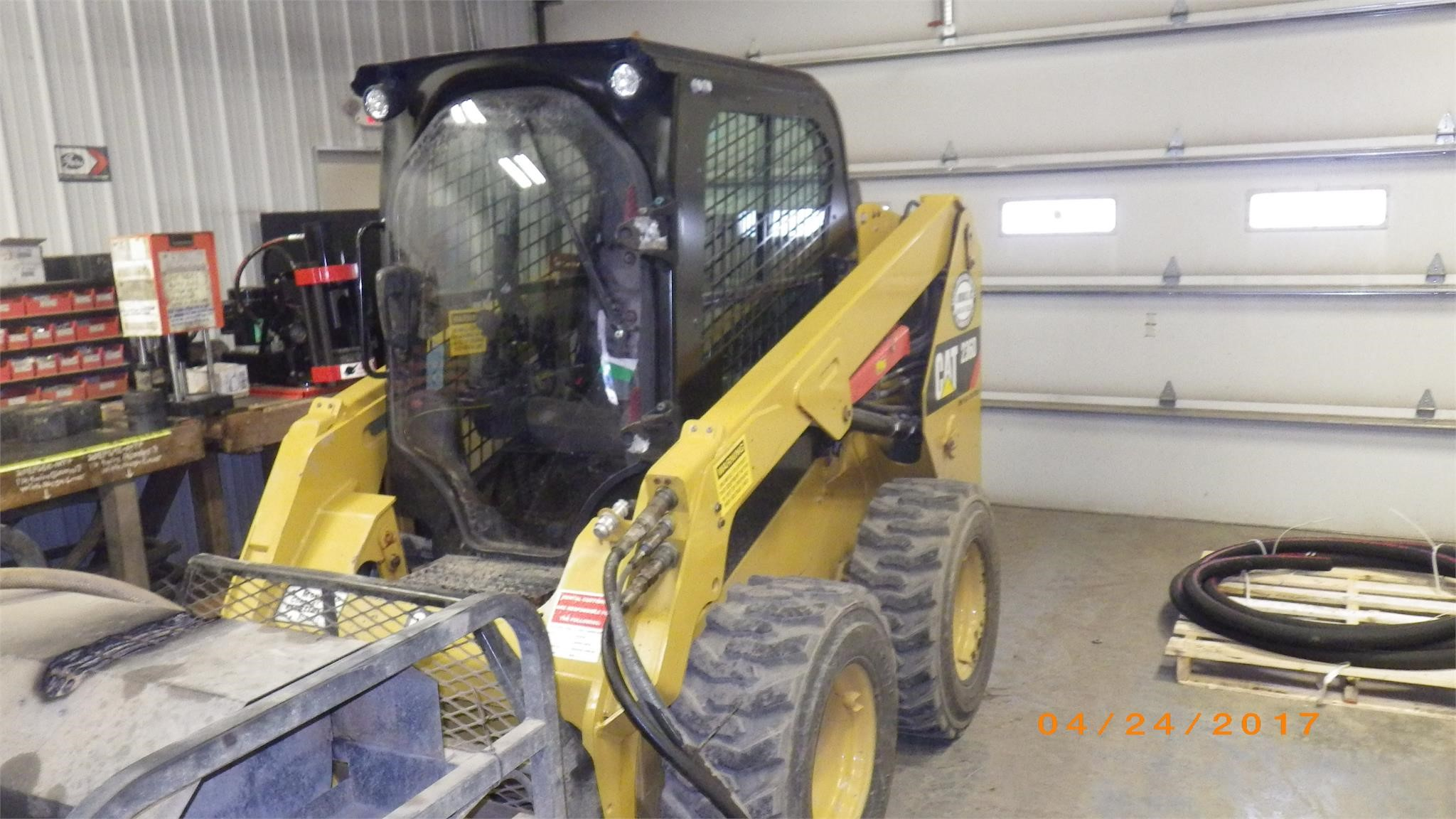 Detail photo of 2015 Caterpillar 236D from Construction Equipment Guide