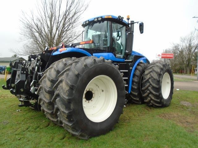 Detail photo of 2017 New Holland T9.480 from Construction Equipment Guide
