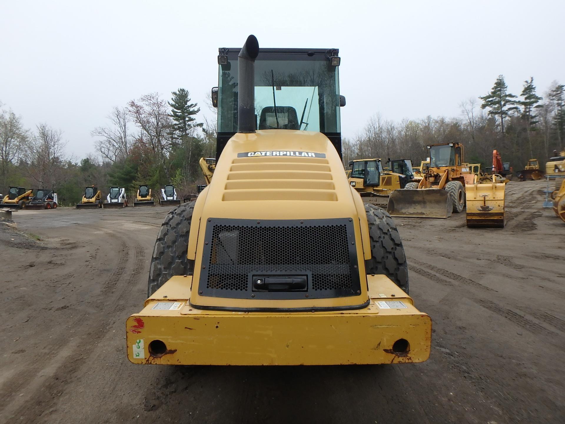 Detail photo of 2007 Caterpillar CS-563E from Construction Equipment Guide