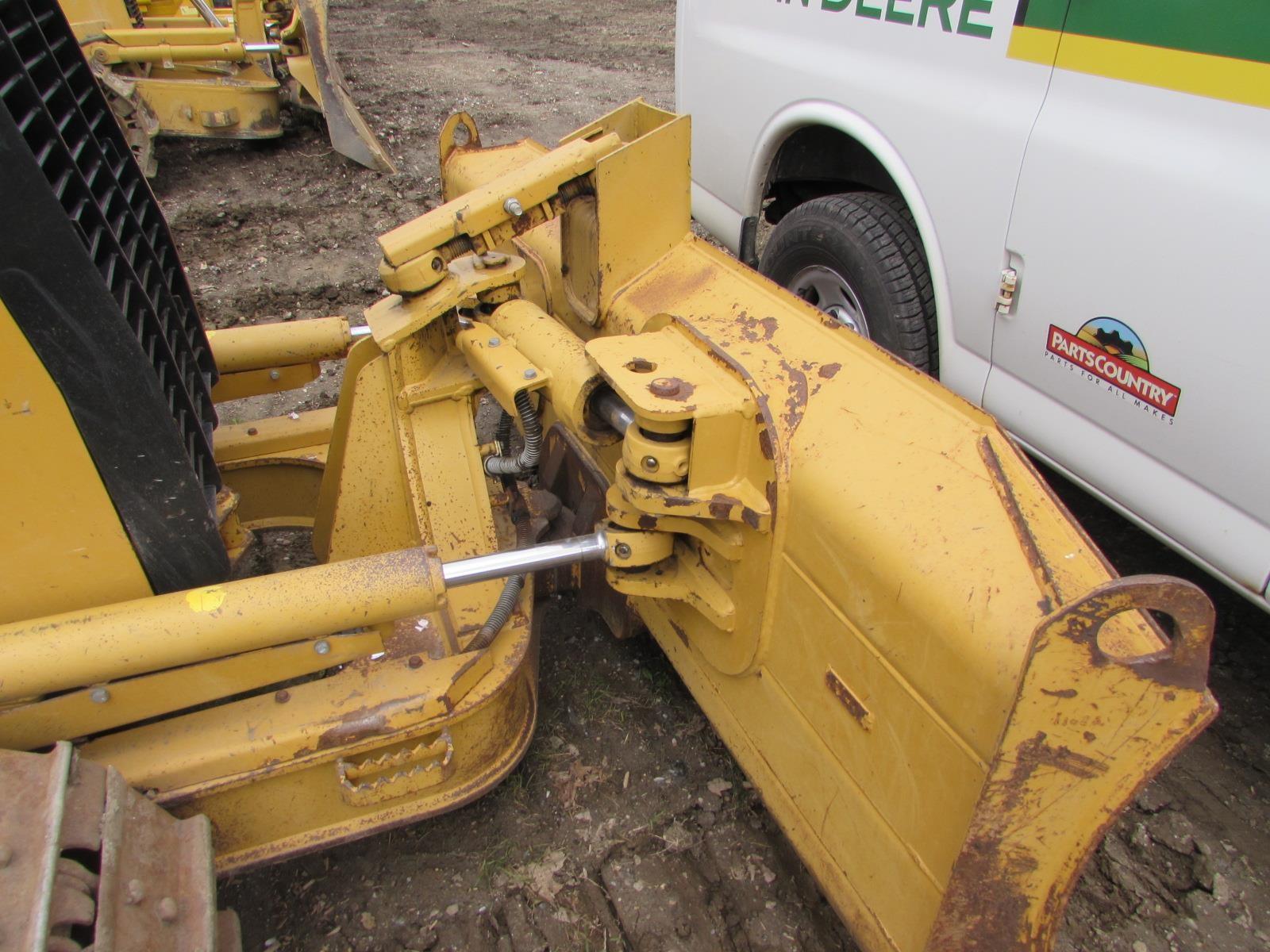 Detail photo of 2011 Caterpillar D3K XL from Construction Equipment Guide
