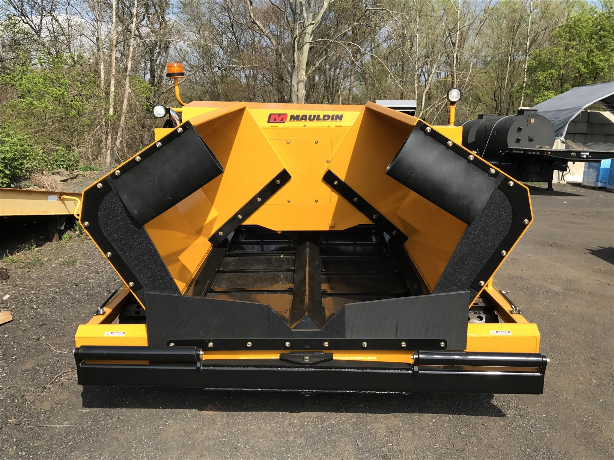 Detail photo of 2017 Mauldin 1750C SUPERPAVER from Construction Equipment Guide