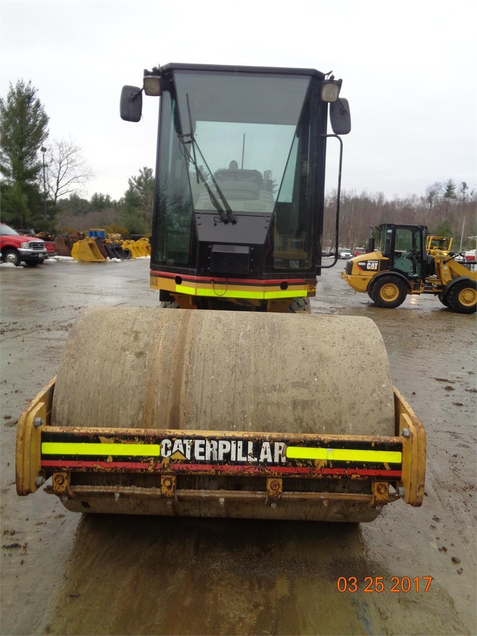 Detail photo of 2006 Caterpillar CS-433 from Construction Equipment Guide