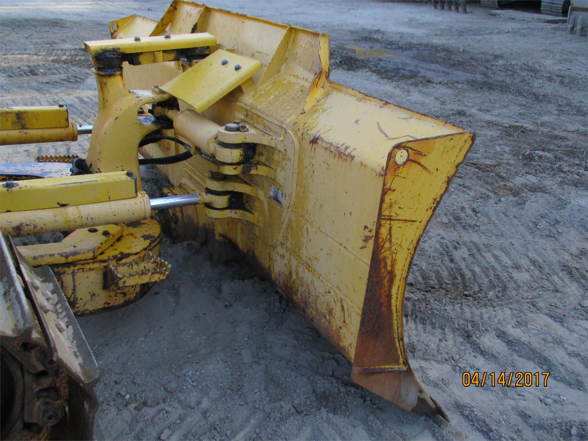 Detail photo of 2012 Komatsu D39EX-22 from Construction Equipment Guide