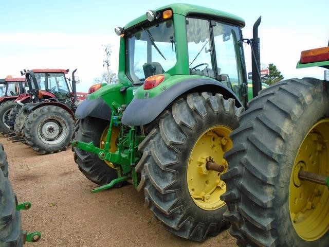 Detail photo of 2009 John Deere 6430 from Construction Equipment Guide