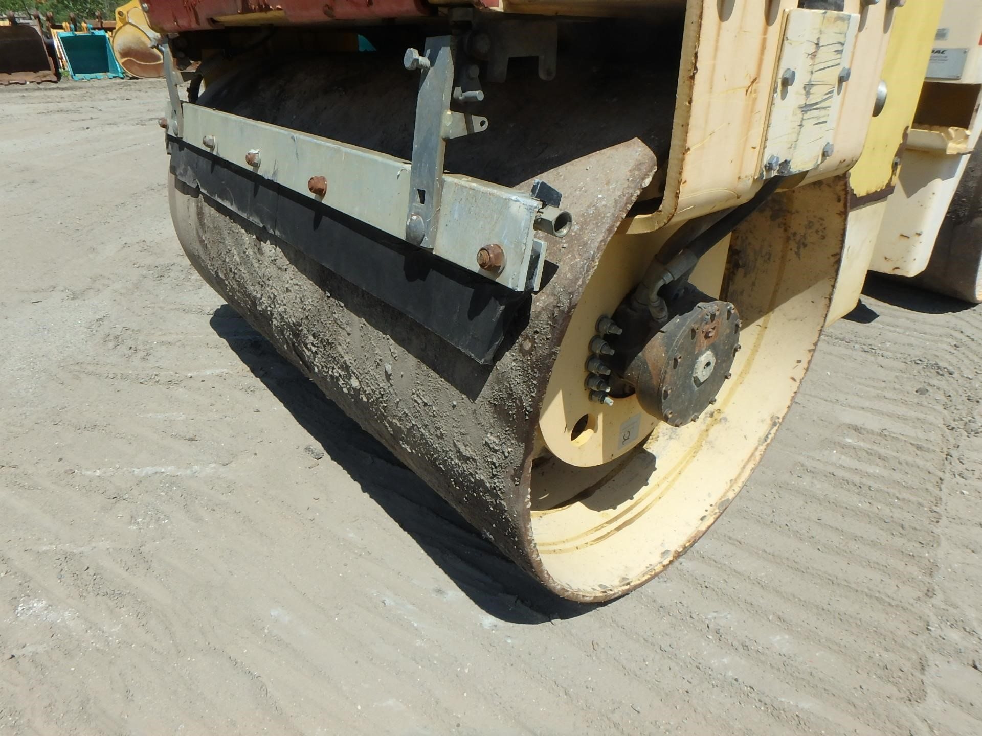 Detail photo of 2005 Dynapac CC122 from Construction Equipment Guide