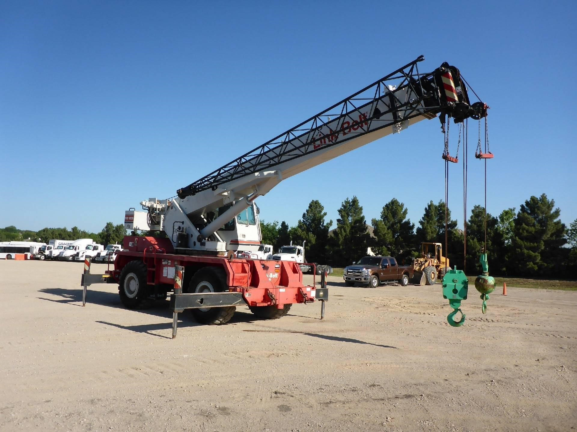 Detail photo of 2001 Link-Belt RTC-8030 from Construction Equipment Guide