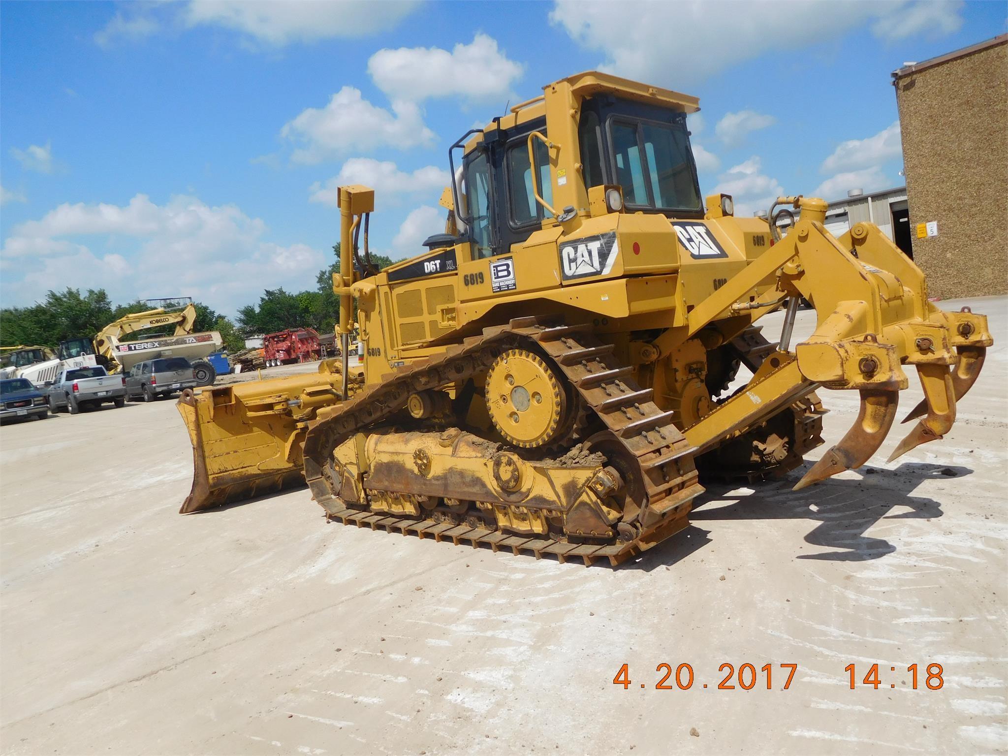 Detail photo of 2007 Caterpillar D6T XL from Construction Equipment Guide