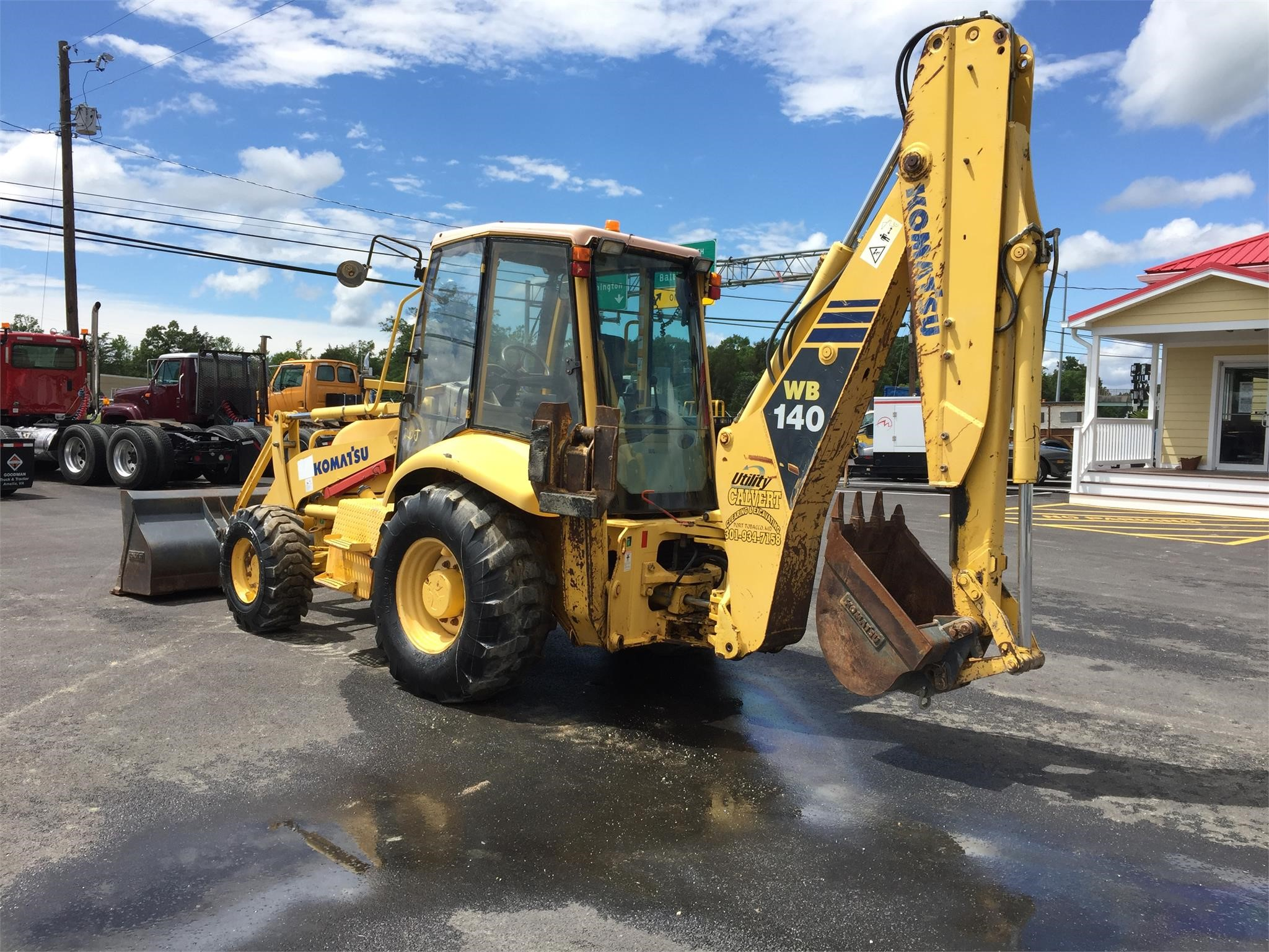 Detail photo of 2005 Komatsu WB140-2N from Construction Equipment Guide