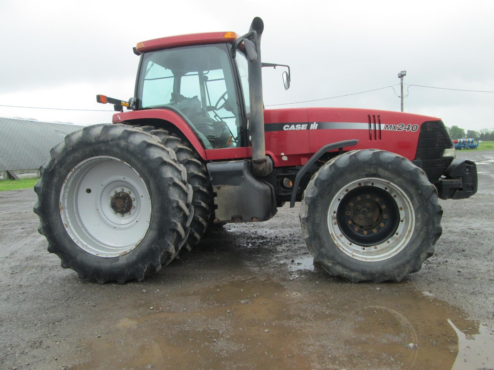 Detail photo of 1999 Case IH MX240 from Construction Equipment Guide