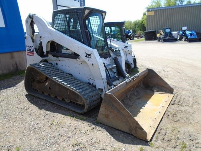 Detail photo of 2009 Bobcat T320 from Construction Equipment Guide