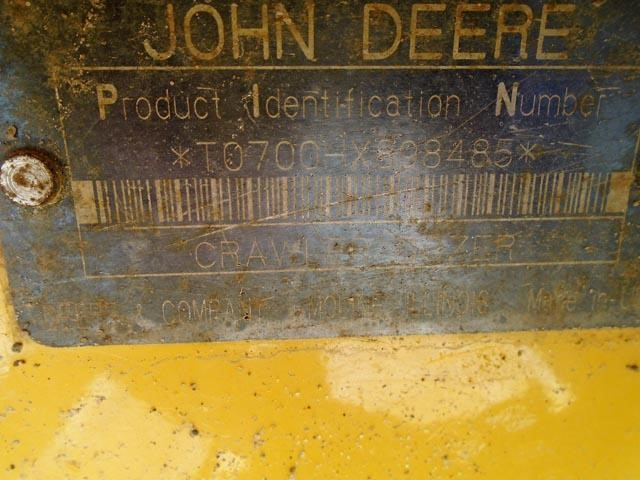 Detail photo of 2001 John Deere 700H LGP from Construction Equipment Guide