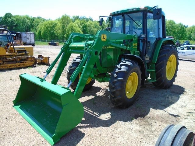 Detail photo of 1999 John Deere 6410 from Construction Equipment Guide