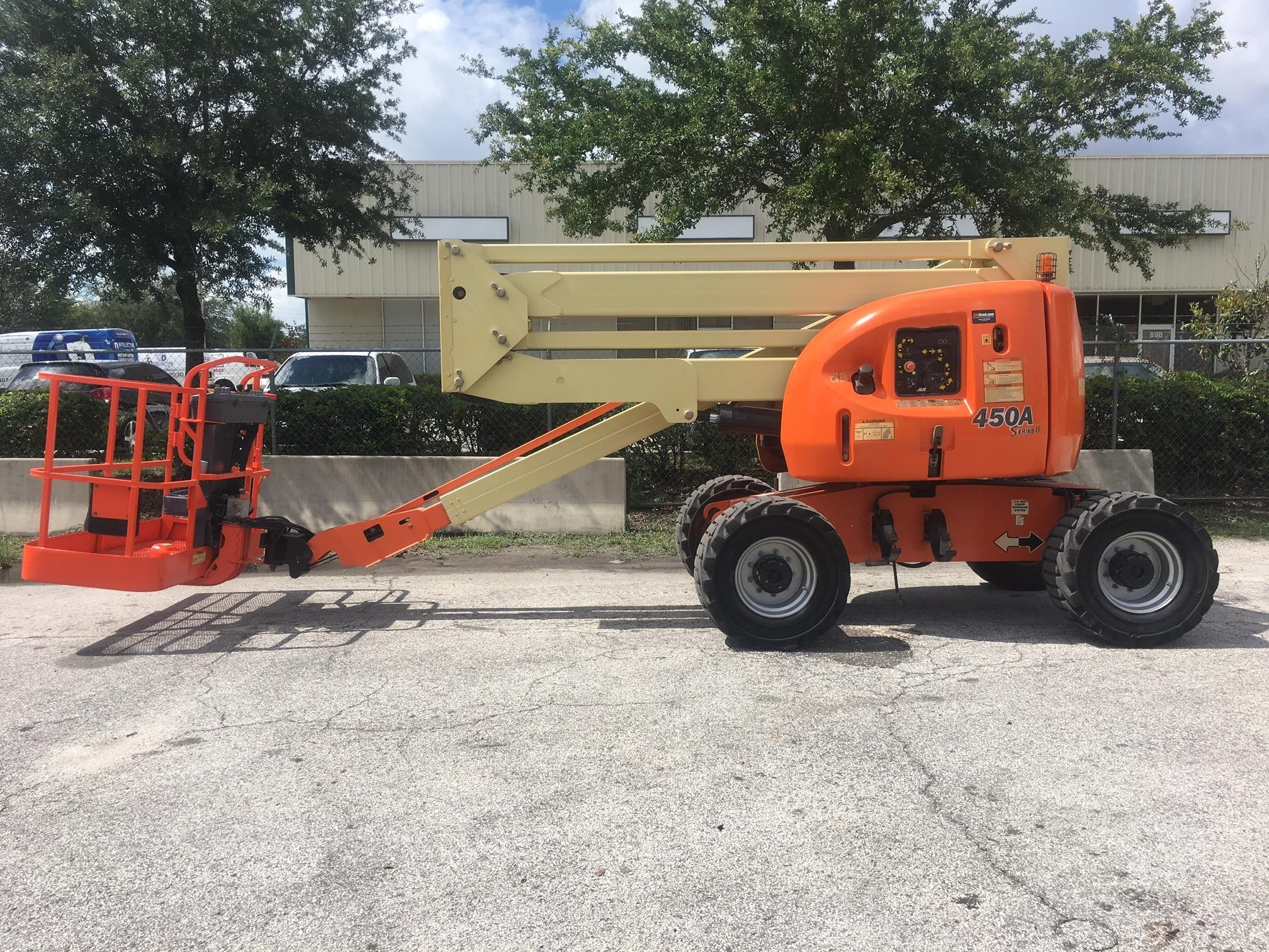 Detail photo of 2007 JLG 450A II from Construction Equipment Guide