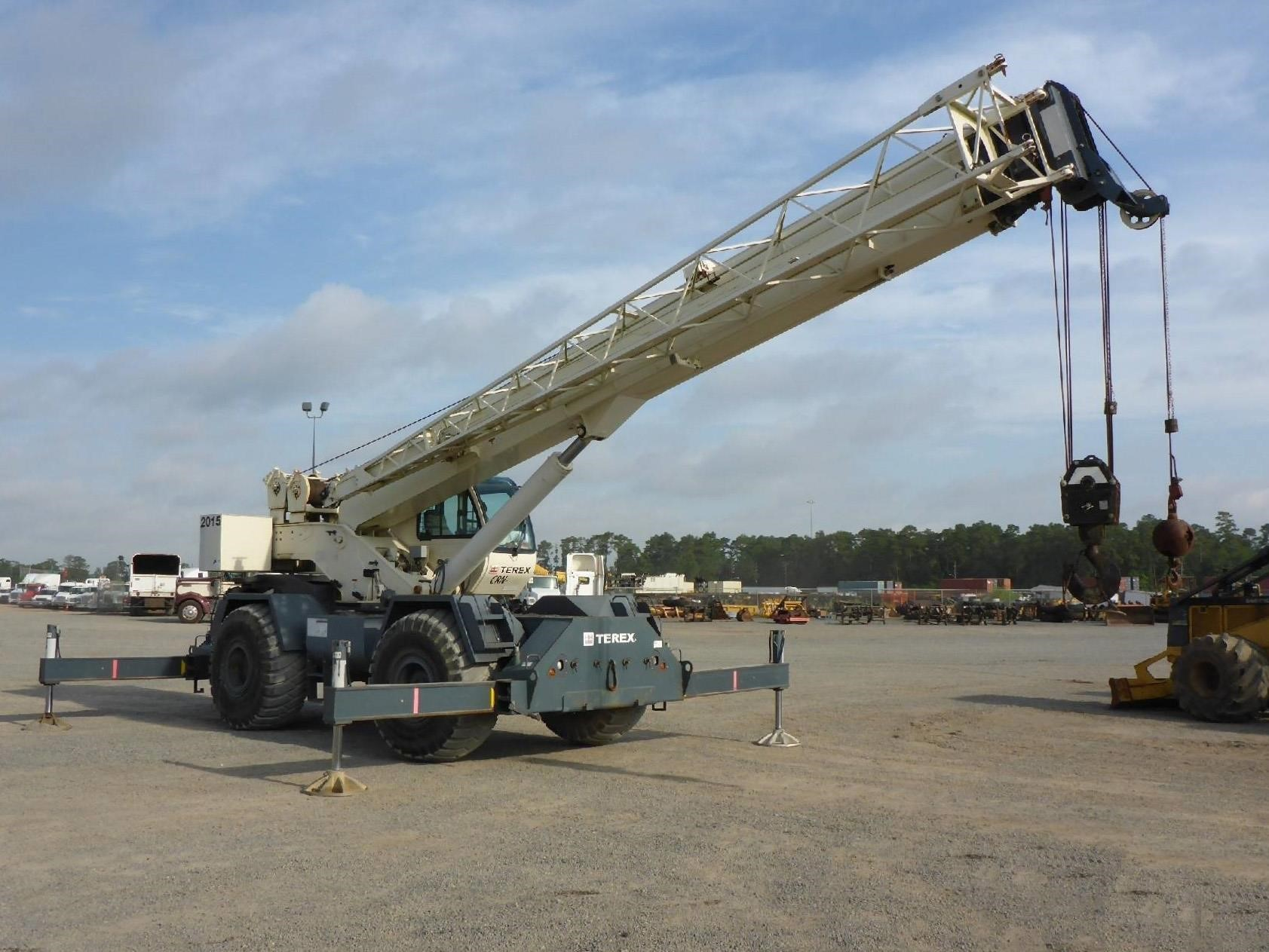 Detail photo of 2011 Terex RT 555 from Construction Equipment Guide