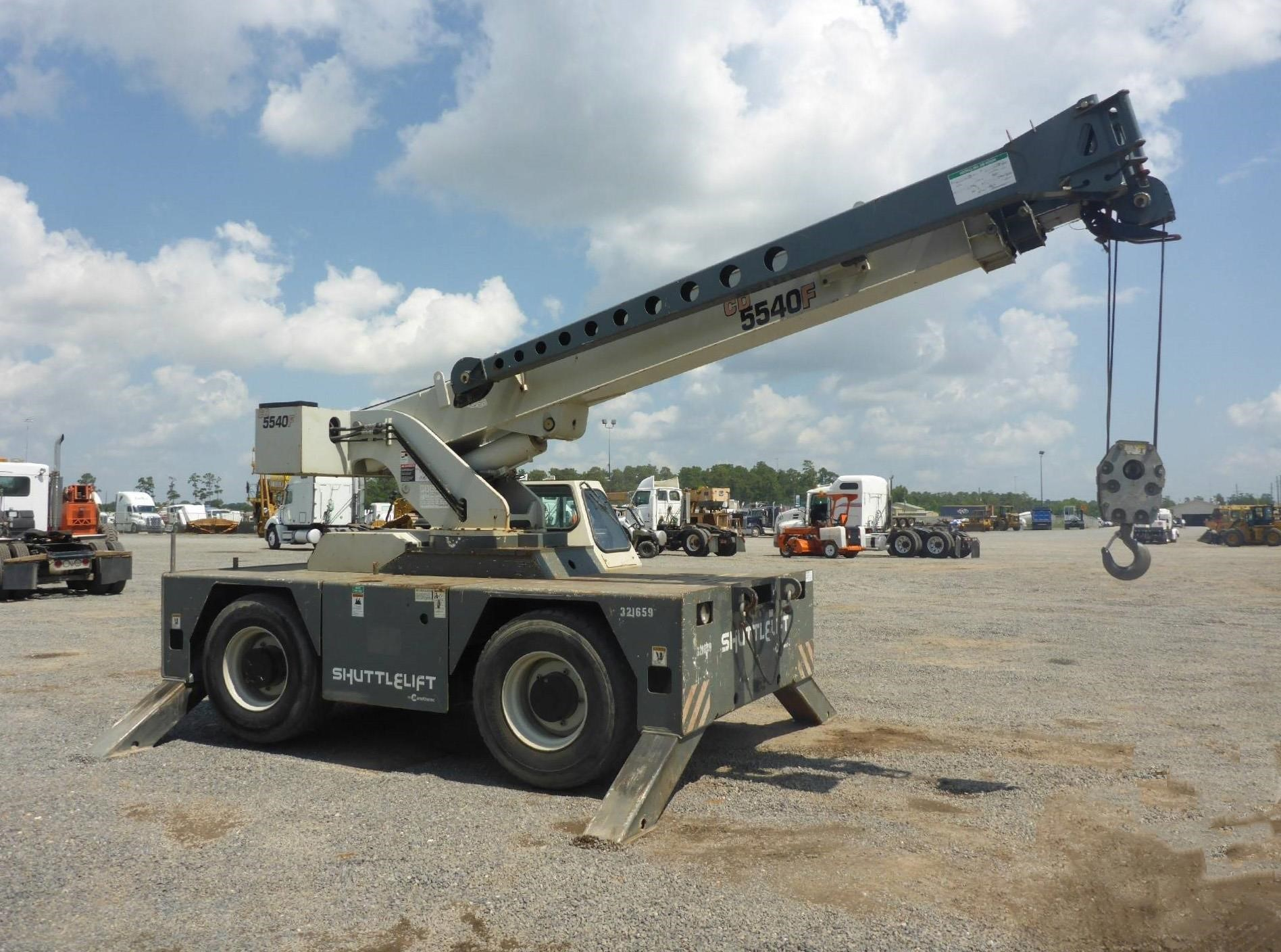 Detail photo of 2011 Shuttlelift 5540F from Construction Equipment Guide
