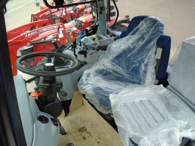 Detail photo of 2017 New Holland T6.175 from Construction Equipment Guide