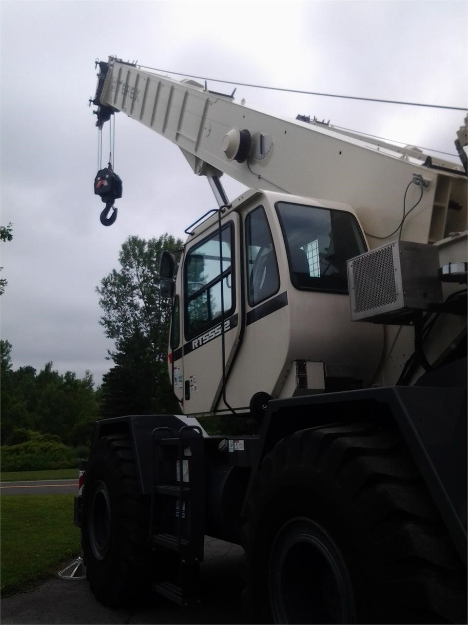 Detail photo of 2014 Terex RT 555 from Construction Equipment Guide